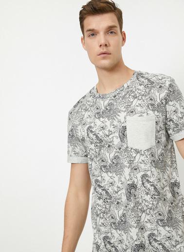 Koton Bisiklet Yaka Kisa Kollu Desenli Cep Detaylı T-Shirt Gri
